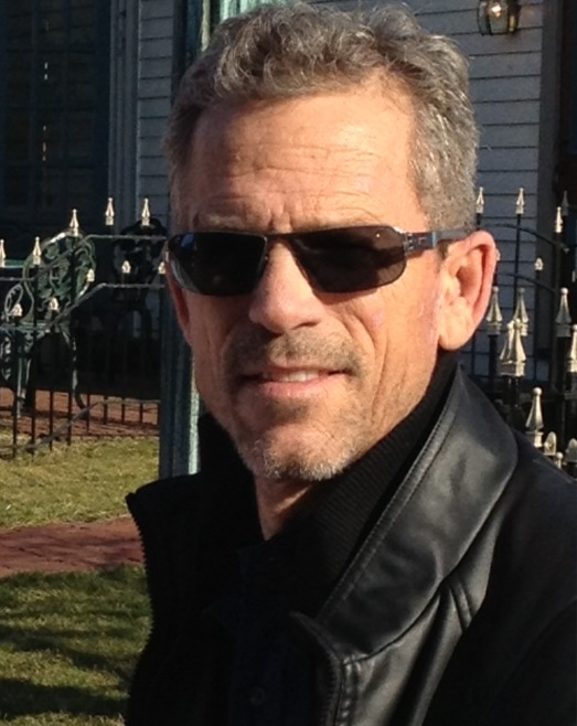 My guest this week is Rick Yancey, an author who writes powerful novels  across genre and age lines. He's the author of several adult novels and the  memoir, ...